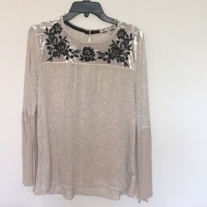 Beige Blouse with velvet and embroidered roses!